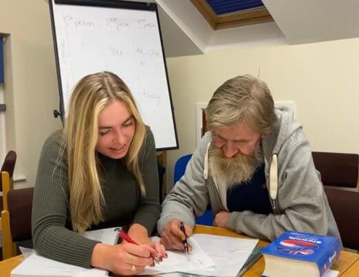 Emmaus Cambridge companions receive English lessons