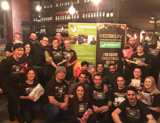 Estábulo host Christmas dinner for homeless people