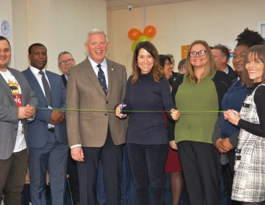 Liz Kendall MP cuts ribbon for Brighter Futures