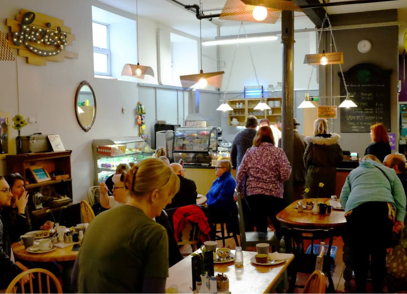 Lucie's Café