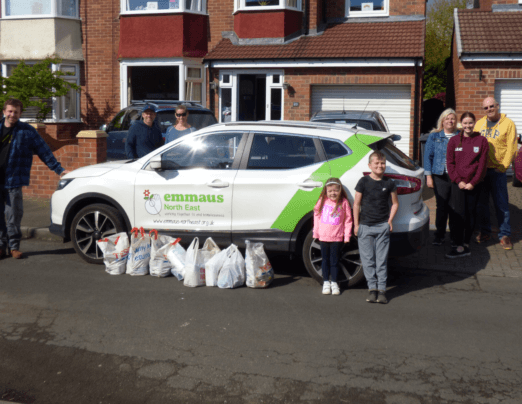 Woodlands Drive residents donate to Lucie's Pantry