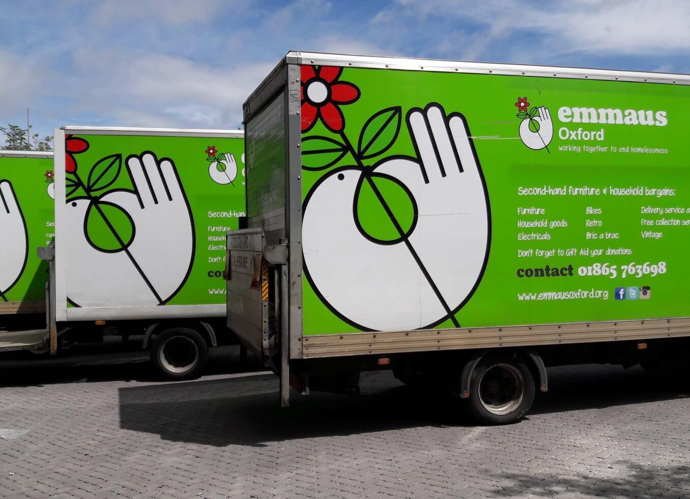 <i>Donate</i>goods