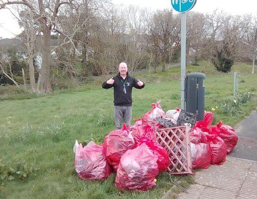 Keep Wales Tidy litter pick